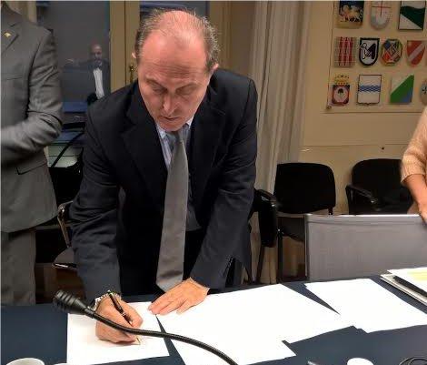 Deposito richieste referendum contro le trivellazioni