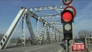I lavori al ponte sul Po sono un banco di prova per la Regione